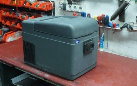 Naprawa lodówki Vitrifrigo C26 S C Mercedes