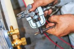 Montaż klimatyzacji zarabianie instalacji freonowej