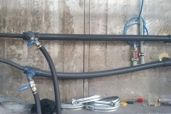 Instalacja-wody-lodowej-powyginane-rury